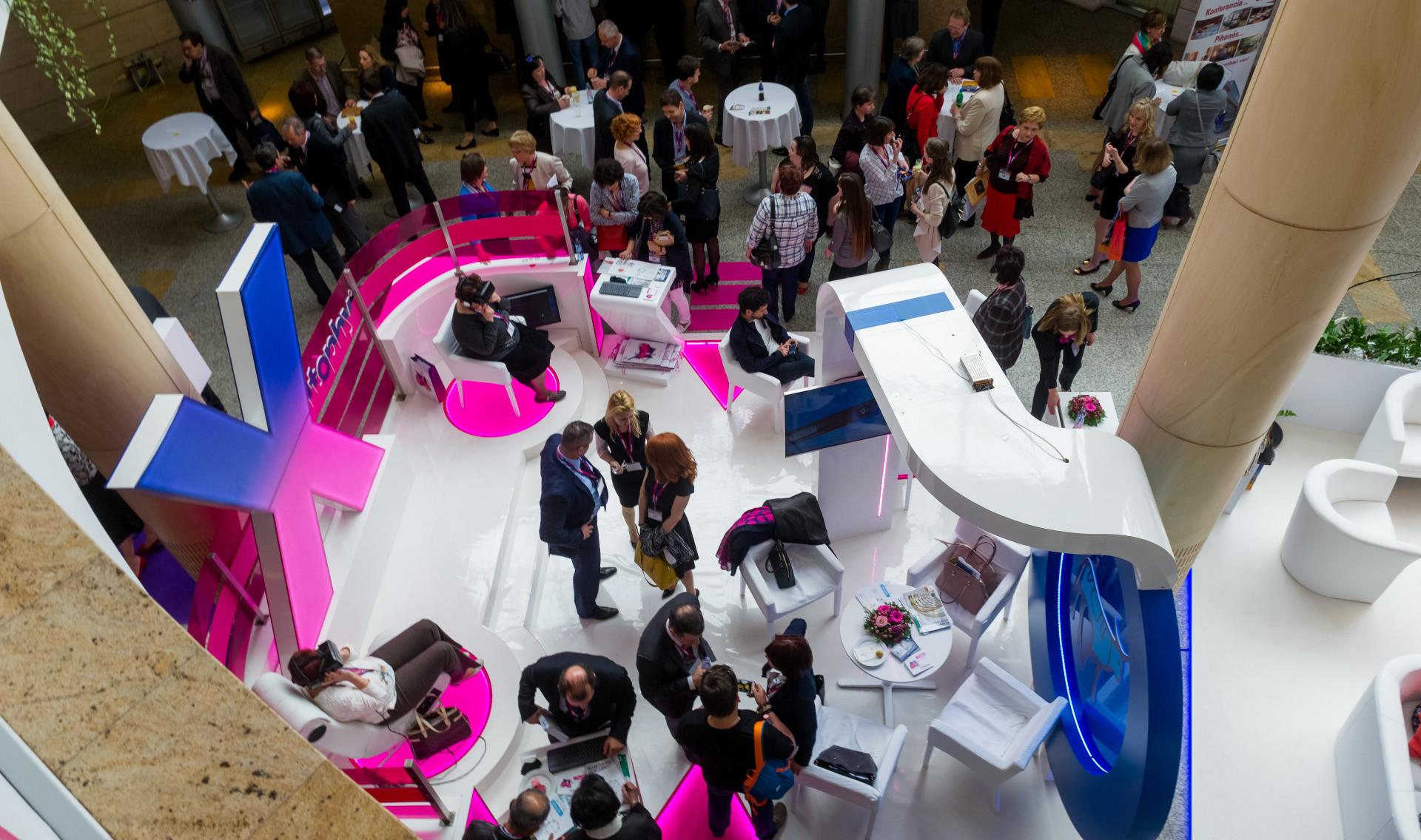 Exhibitions, Expos